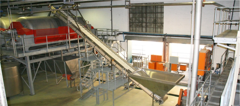Incline Flighted Belt Conveyor